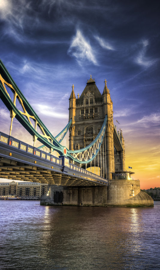 HDR Vertorama - Elia Locardi - London Sky