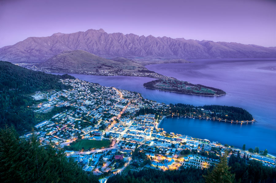 HDR Photo - New Zealand, Lake Wakatipu - The Queenstown Lookout