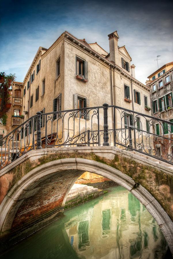 HDR Photo - Venice Italy (Venezia Italia) - The Mossy Bridge