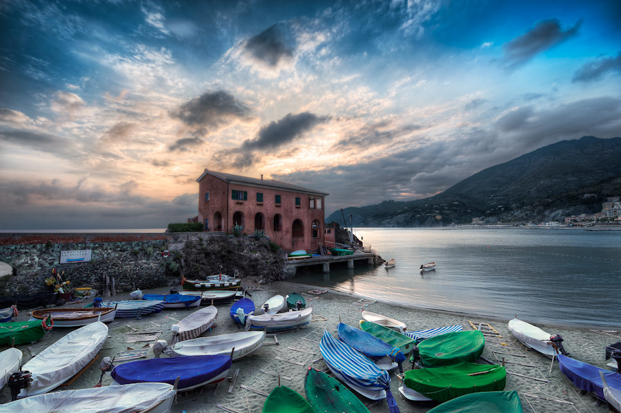 HDR Before After - Levanto Italy - Boat House