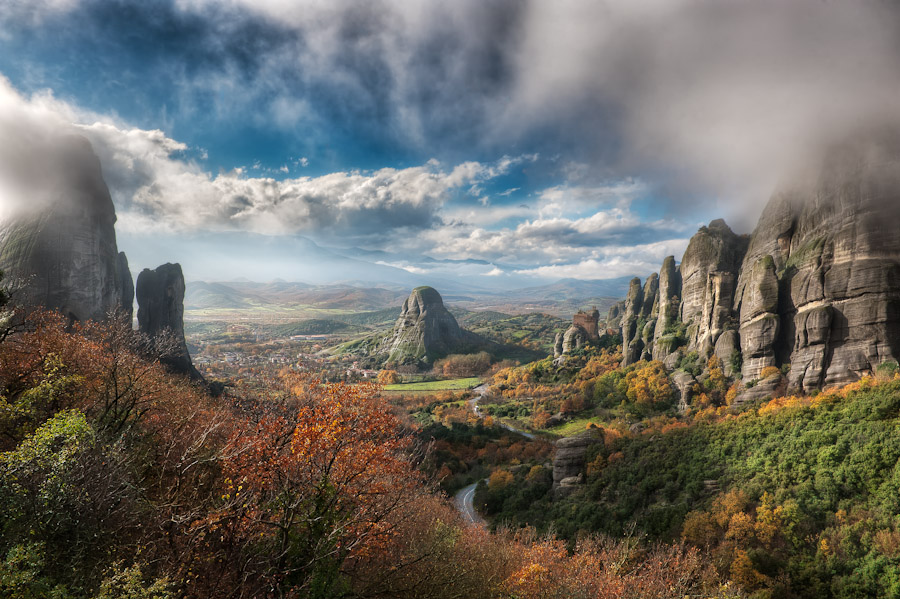 HDR Photo - Meteora - Valley Fog