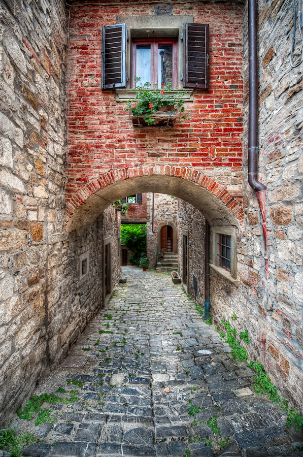 HDR Photo - Tuscany Italy - A Textured Path