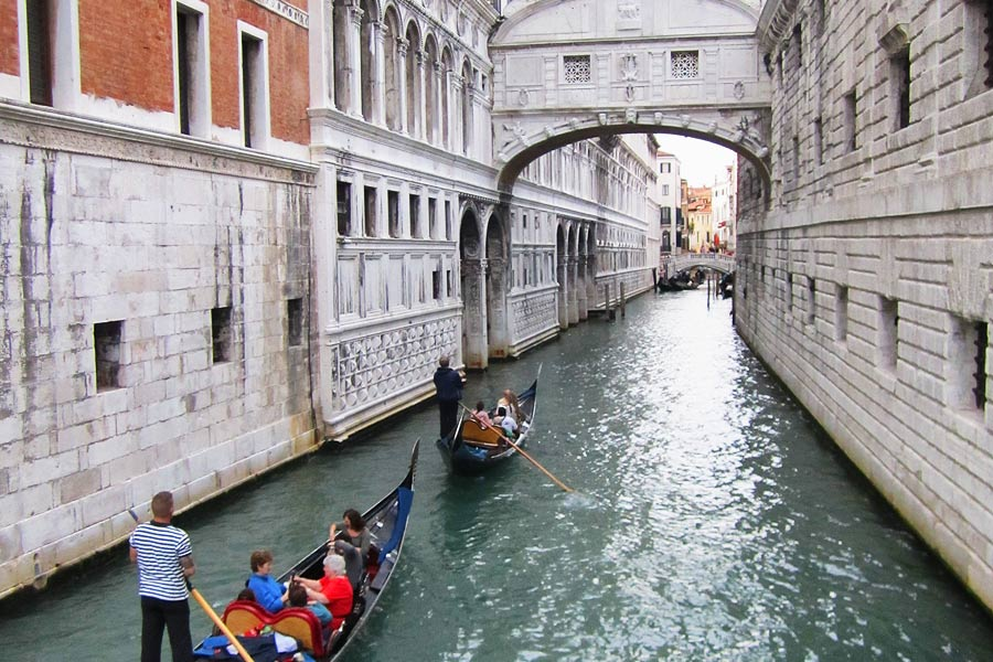 Venice-Italy-Scouted_Bridge-Of-Sighs