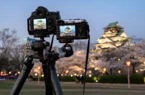 2014-04-01-Osaka-Castle-Lightup-2-cameras