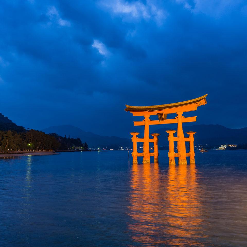 Instagram-Red-Torii-Gate-Blue-Hour-Hiroshima-Miyajima-Japan