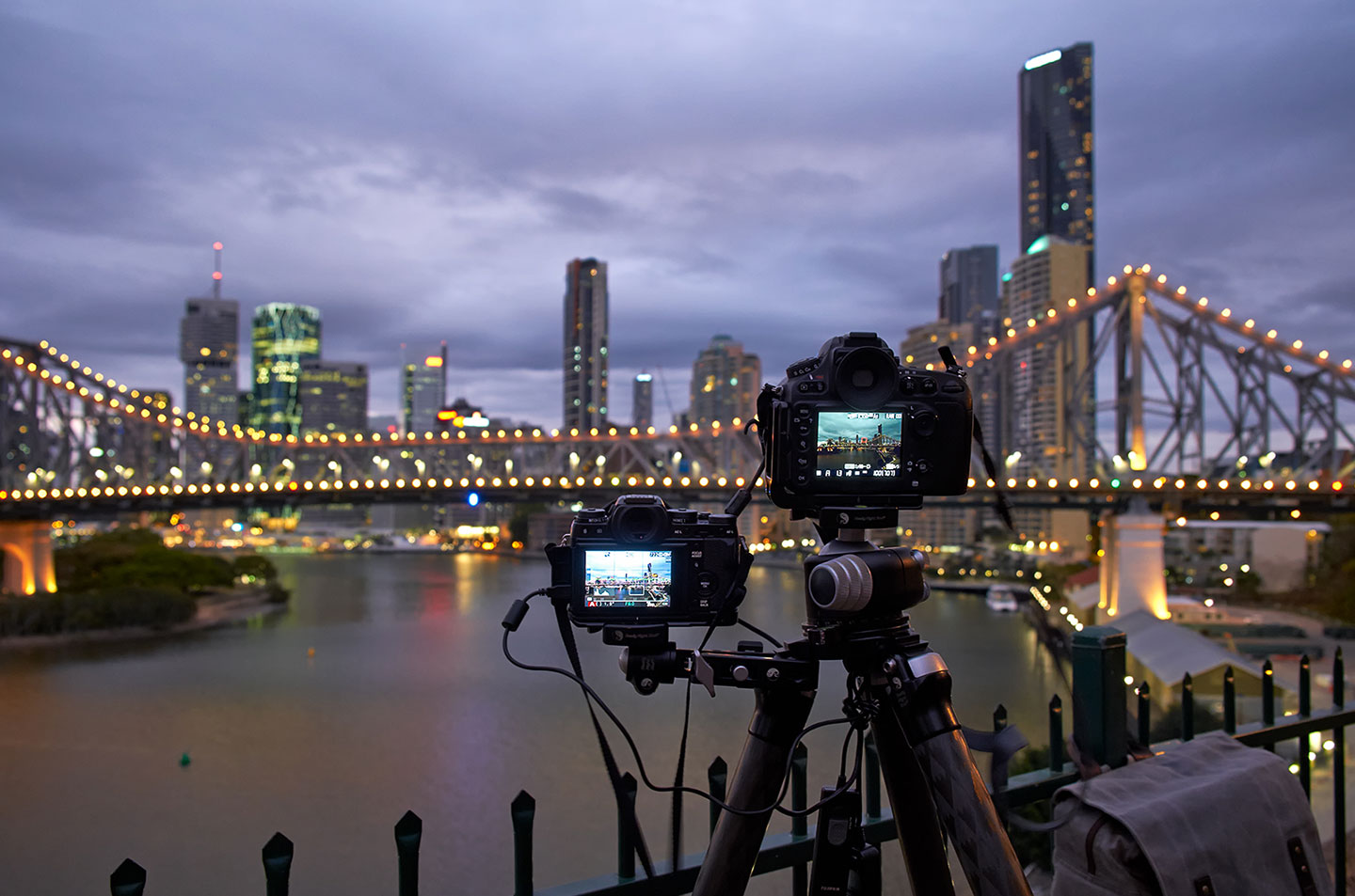 08-Brisbane-Bridge-Two-Cameras