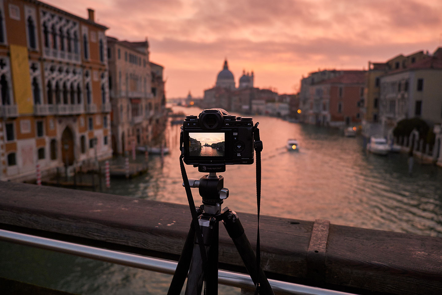 11-Venice-Acadamia-Bridge-Sunrise