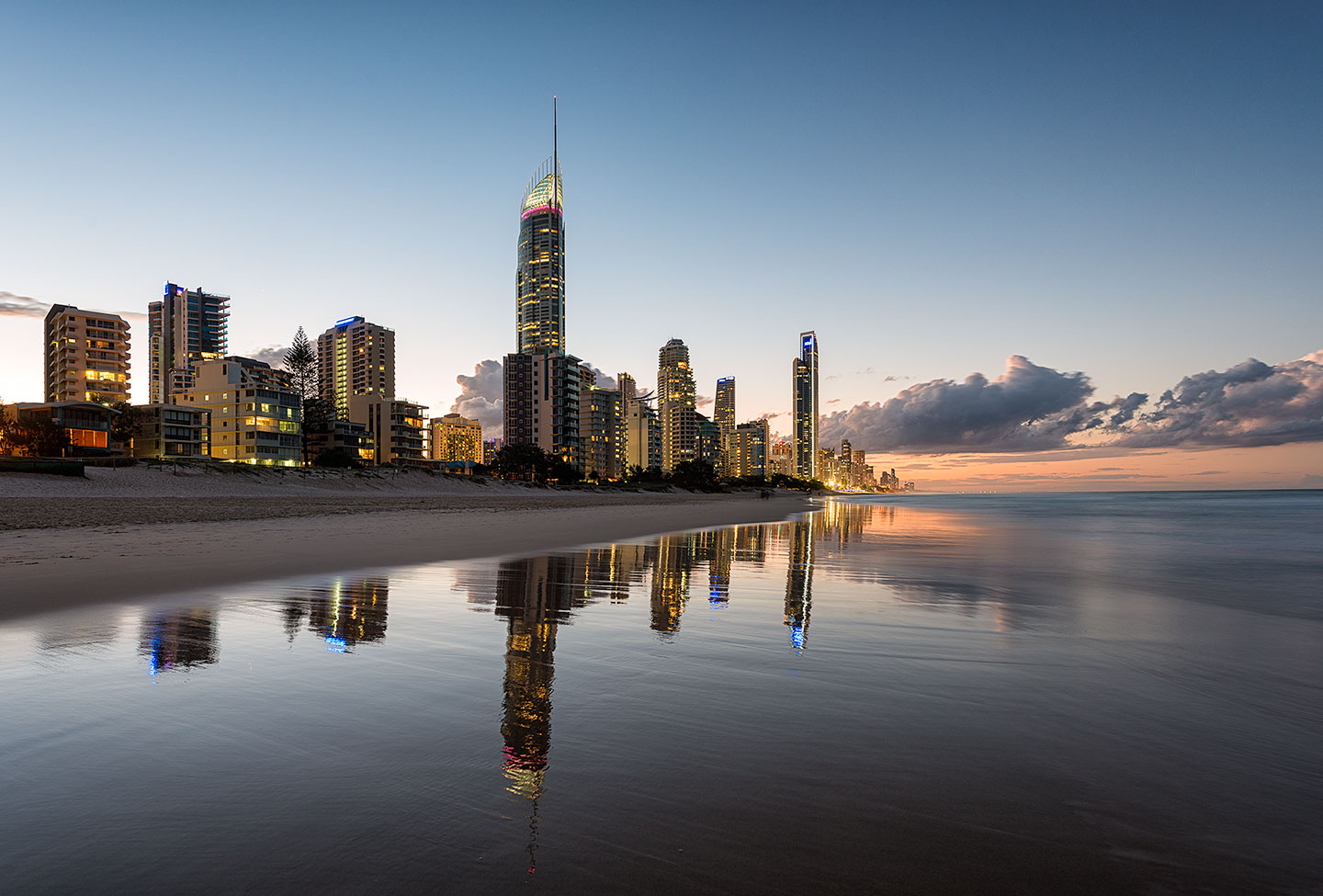 ©2014 Elia Locardi - All Rights Reserved. Surfers Paradise Queensland, Australia.