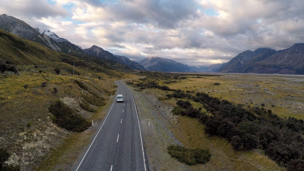 2014-02-23-Mt-Cook-Drone-Van-Follow-01-1440-60q