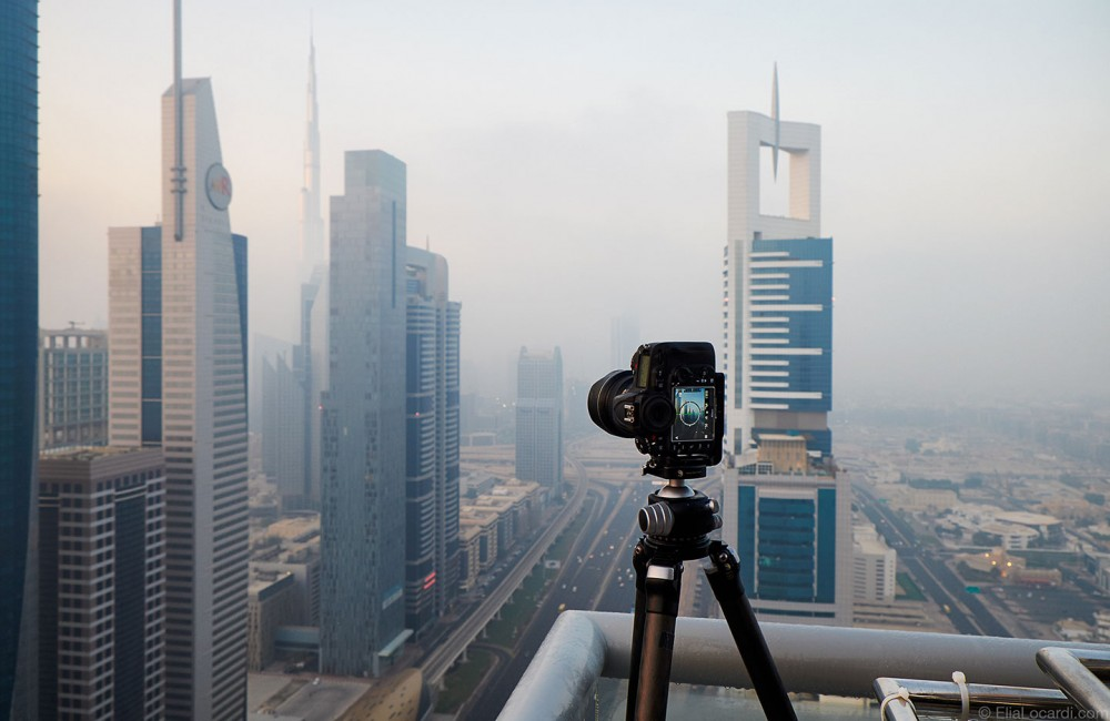 2015-10-05-Foggy-Dubai-The-Moments-Between-Nikon-Rooftop-1440-60q